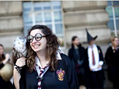 El extraño mundo de los fanáticos de Harry Potter y sus costumbres