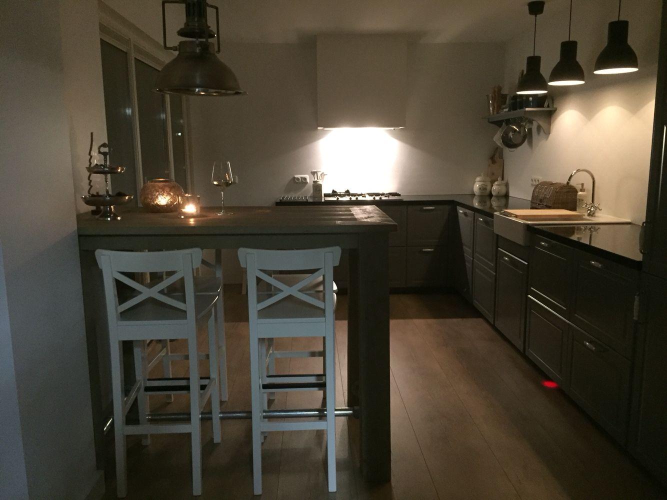 Diy Keuken Ikea : Bodbyn ikea keuken grijs met diy steigerhouten bar de