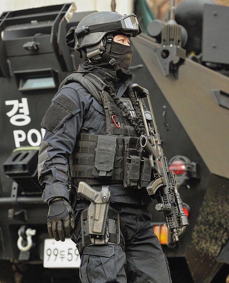 South Korean Police Swat Team Estoy Impresionada Me Gusta Esta Foto Special Forces Special Forces Gear Armed Forces