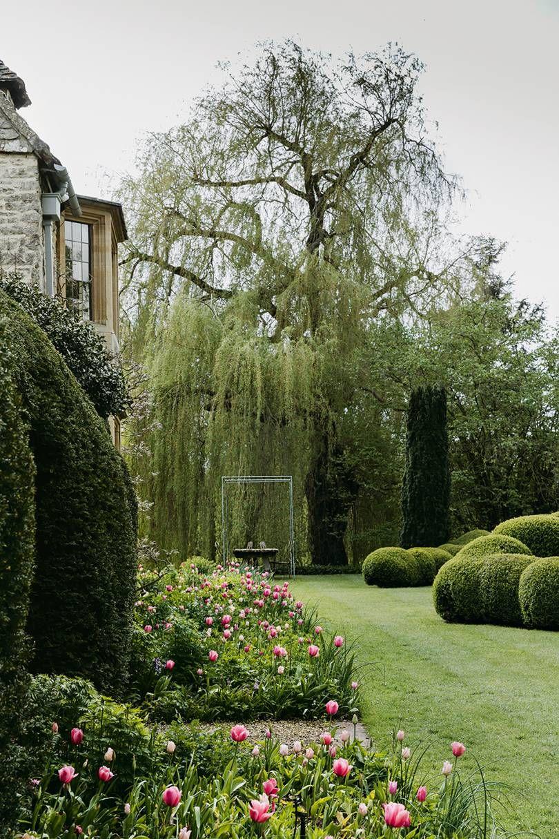 Awesome Arne Maynard Reinvigorates The Garden Of An Oxfordshire Download Free Architecture Designs Rallybritishbridgeorg