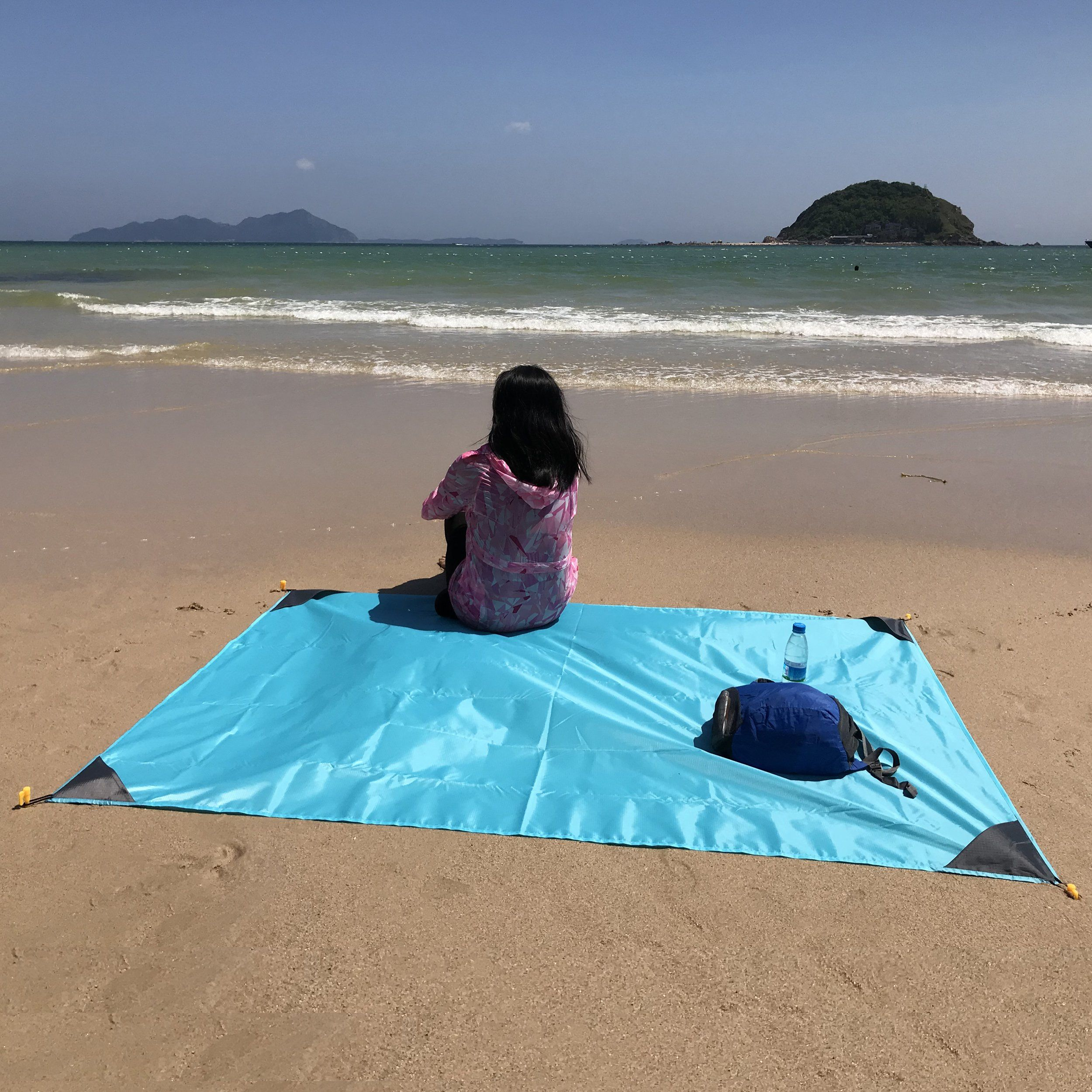 Family Beach Blanket: Large Beach Blanket, Portable Sand Resistant Waterproof