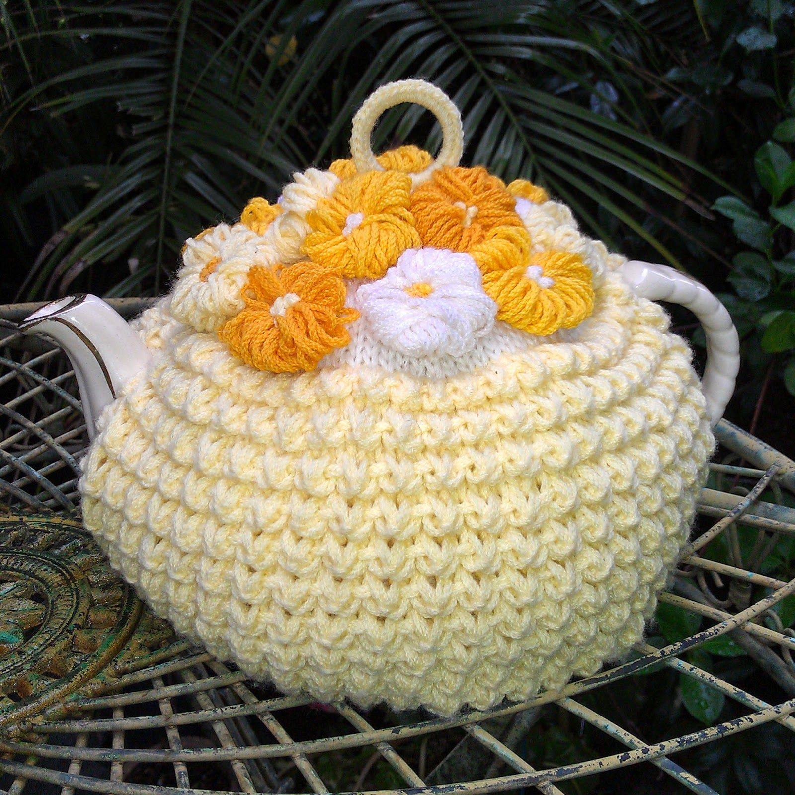 Craft A Cure For Cancer Free Tea Cosy Patterns Vintage Tea Cosy