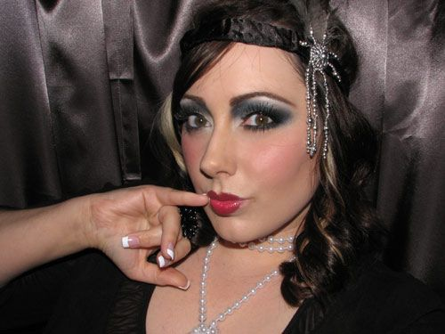 Halloween Makeup: 1920's Flapper