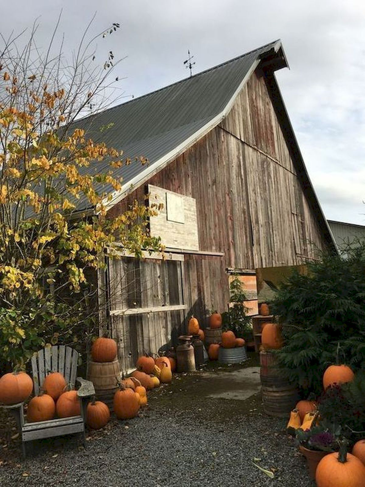 Pictures Of Barns In The Fall