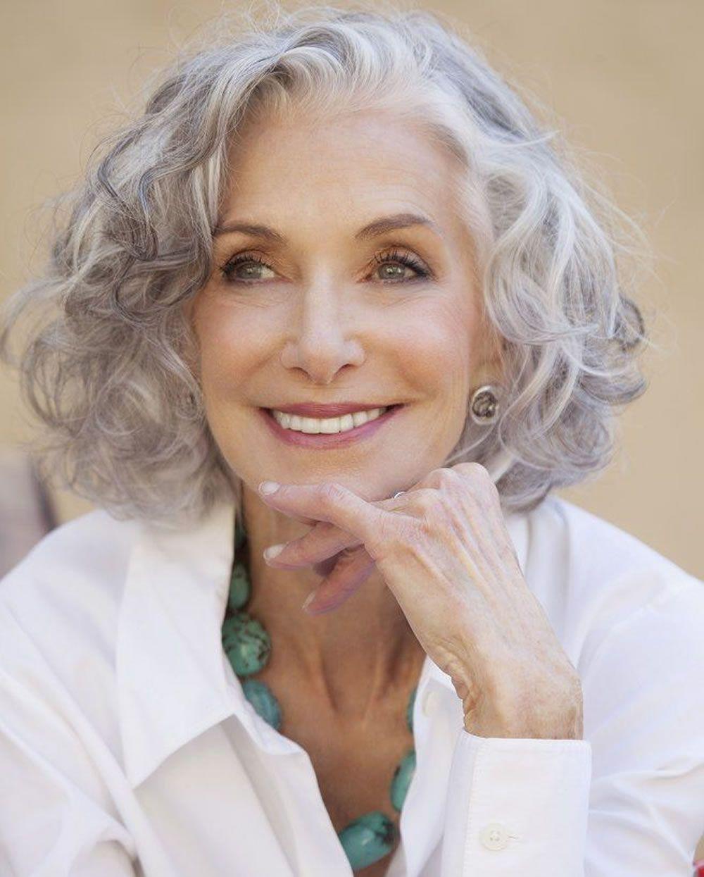 Kurze Graue Frisuren Fur Altere Frauen Uber 50 Graue Haarfarben 2018 Altere F Hair Styles For Women Over 50 Older Women Hairstyles Haircut For Older Women