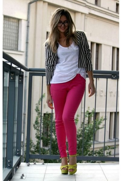 Trying to find what goes well with my Pink Jeans exactly like ...