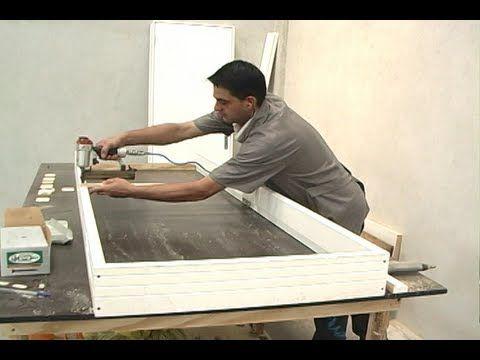 Como escolher uma porta de madeira para o seu ambiente? - YouTube
