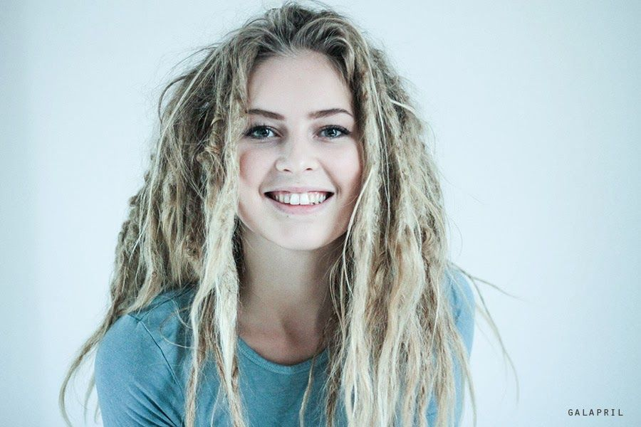 Dreads! GalApril blog. Love her dreads!!! And she is so beautiful!