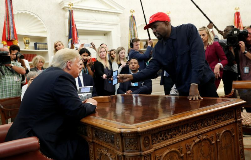 Kanye Calls Himself A Crazy Motherf Er In Oval Office Meeting With Trump Oval Office White House News Perfect Sense