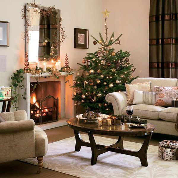 Image from   the-iphoneorg/wp-content/uploads/2015/10/classy - christmas decorating ideas