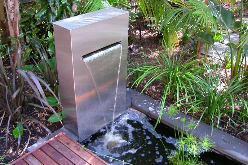 Outdoor water features and modern garden fountains water for Backyard water feature plans