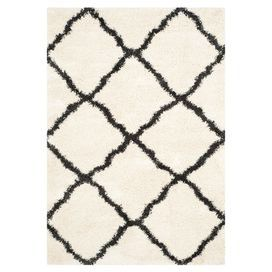 Dallas Rug / I've seen this in so many home interior pics lately. Doesn't seem very practical, though...