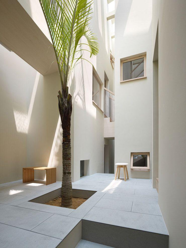 Fujiwaramuro architects architettura cortile for Rivista interni