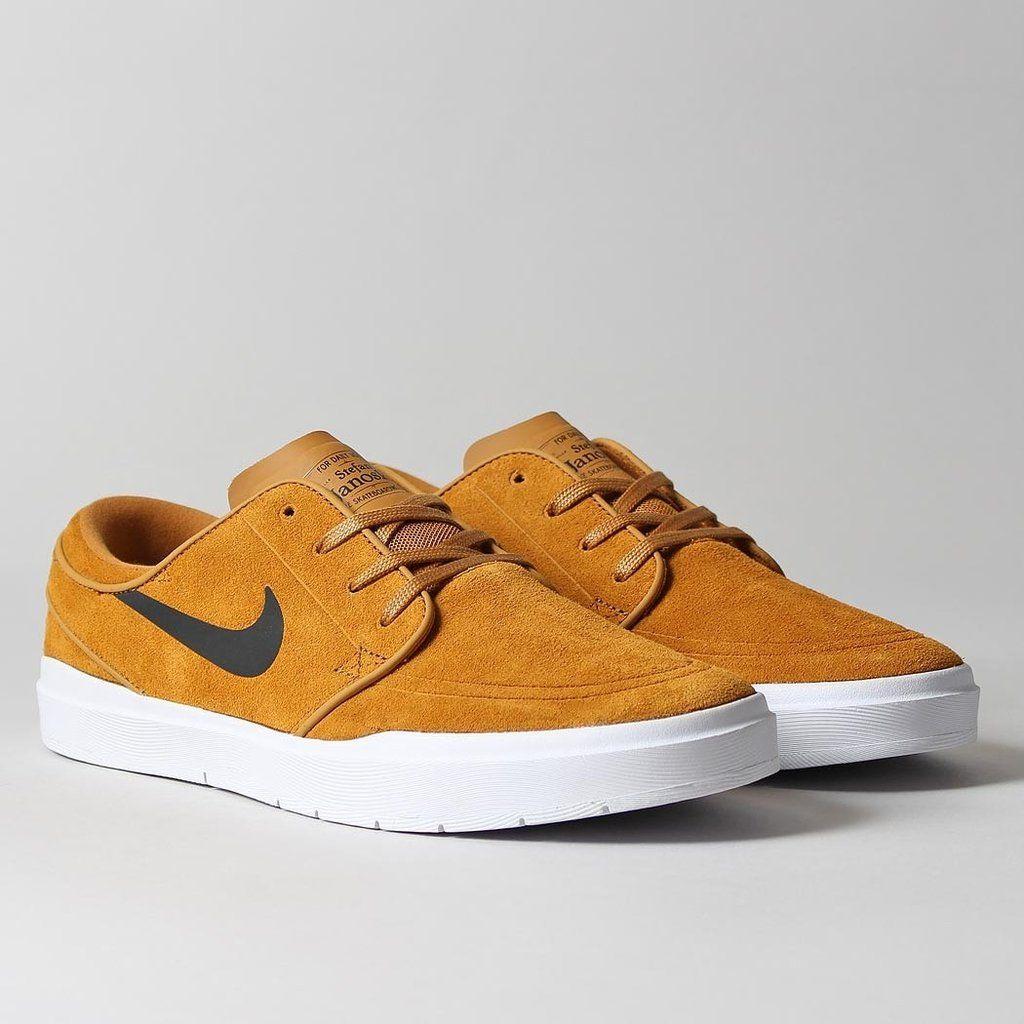 Nike SB Stefan Janoski Hyperfeel Shoes