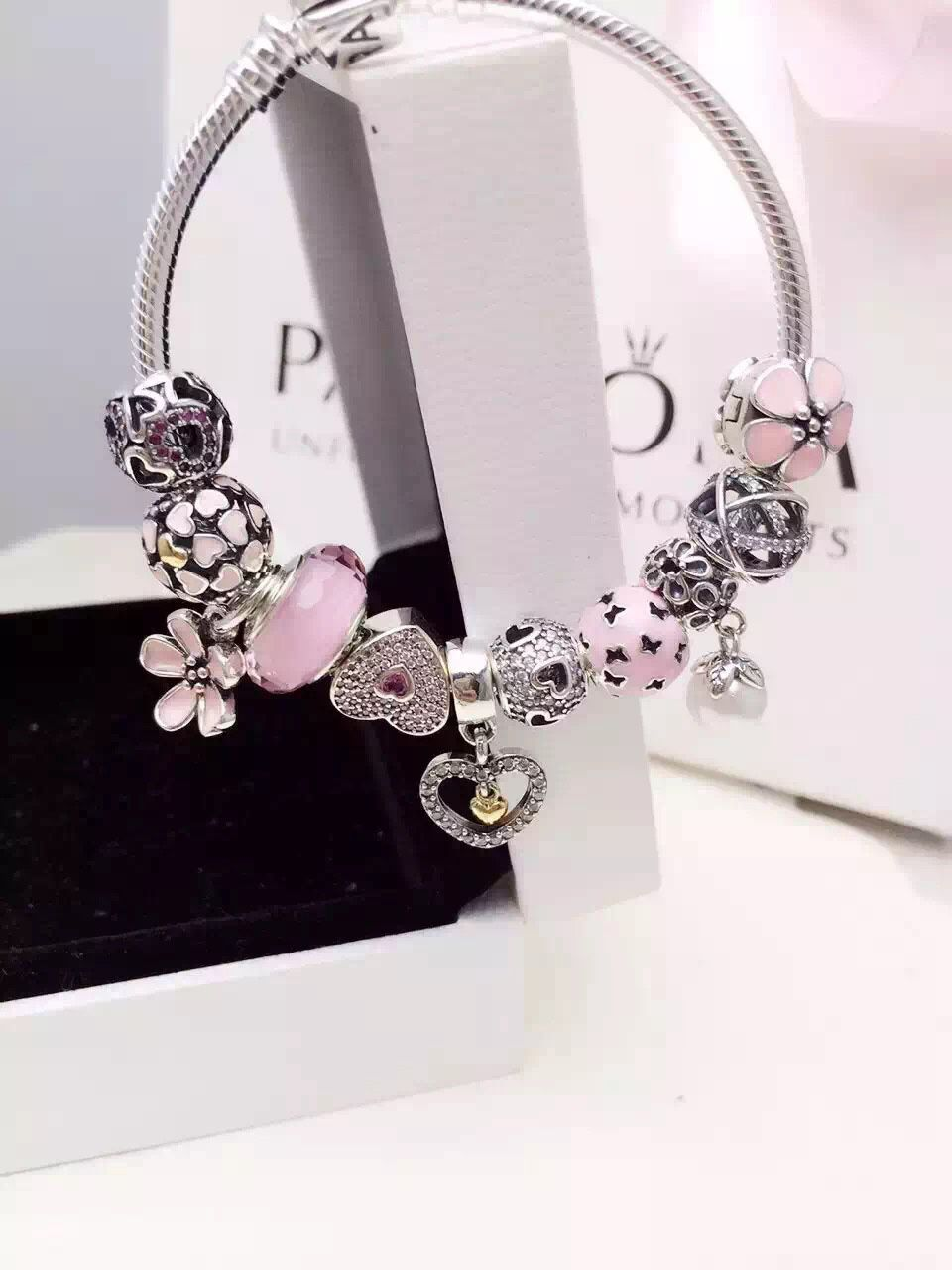50 Off 279 Pandora Charm Bracelet Pink White Hot