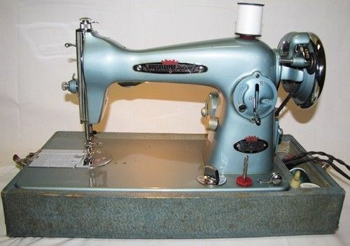 Vintage Series Sewing Machine Deluxe Model In Case 1950 S Pa
