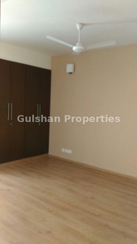 🏨Flat For Sale 👉Location : New Friends Colony, Delhi 👉Floor : Third  Floor+Terrace 👉Price : 4.5 Cr. 👉Bedrooms : 3 BHK 👉Bathrooms : 3 👉Plot  Area : 300 ...