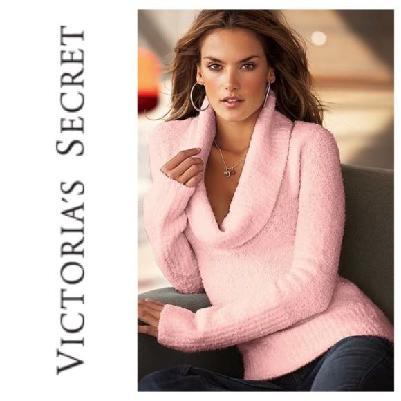 Victoria's Secret Sweater XS Victoria's Secret Sweater XS Victoria's Secret Sweaters Cowl & Turtlenecks
