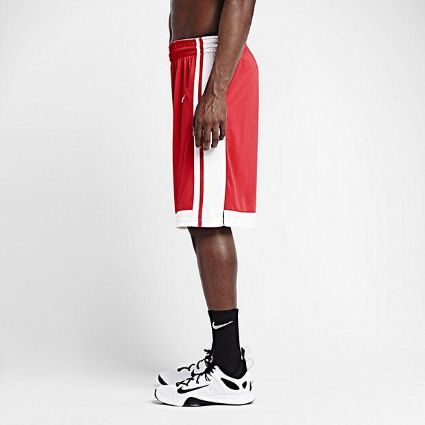LIGHTWEIGHT BREATHABILITY The Nike National Varsity Stock Men's 11