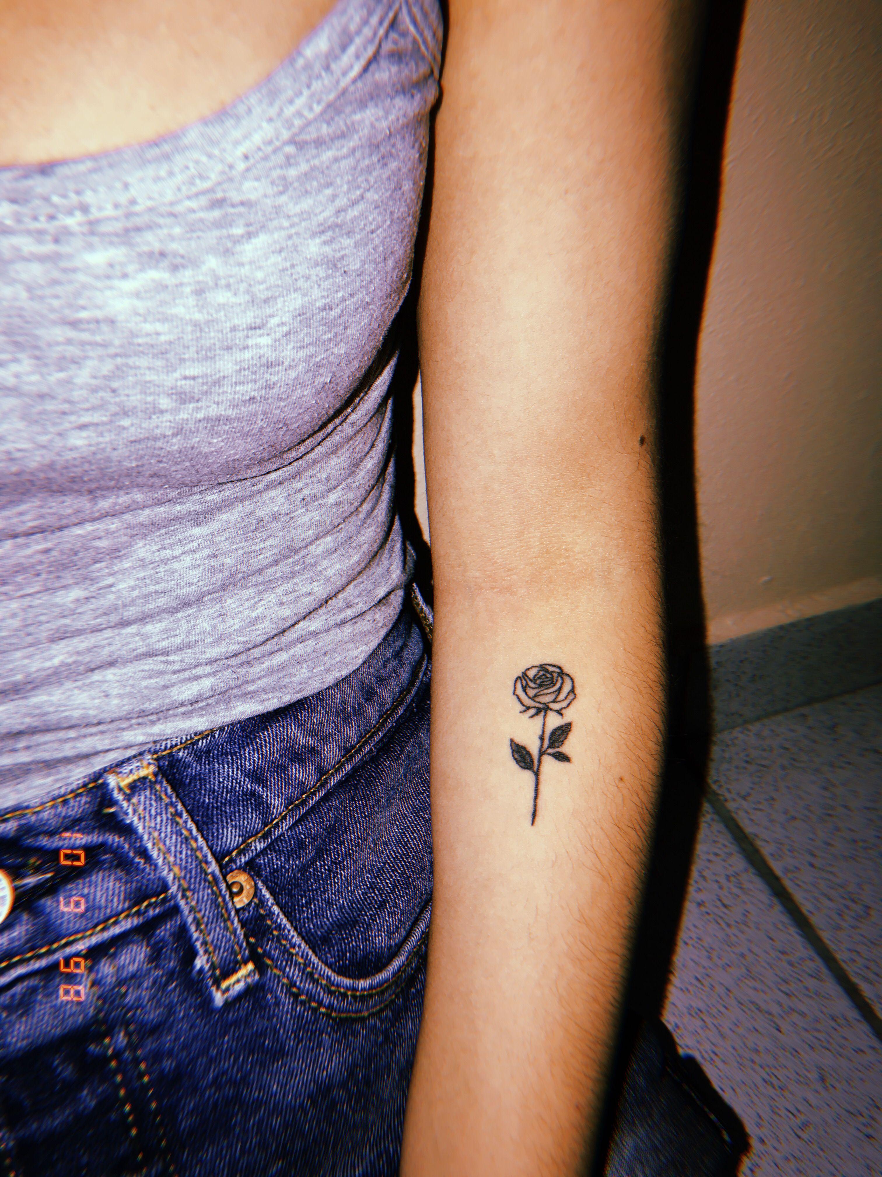 Rose Tattoo Small Rose Tattoo Small Henna Tattoos Rose Tattoos On Wrist