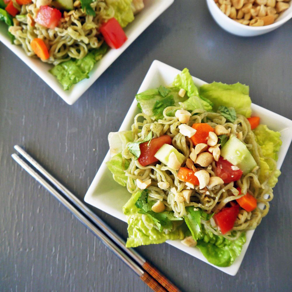 Try this light, refreshing, and easy to make healthy ramen noodle salad recipe made with GreeNoodle's Moroheiya noodles. Nutritious and vegan friendly!