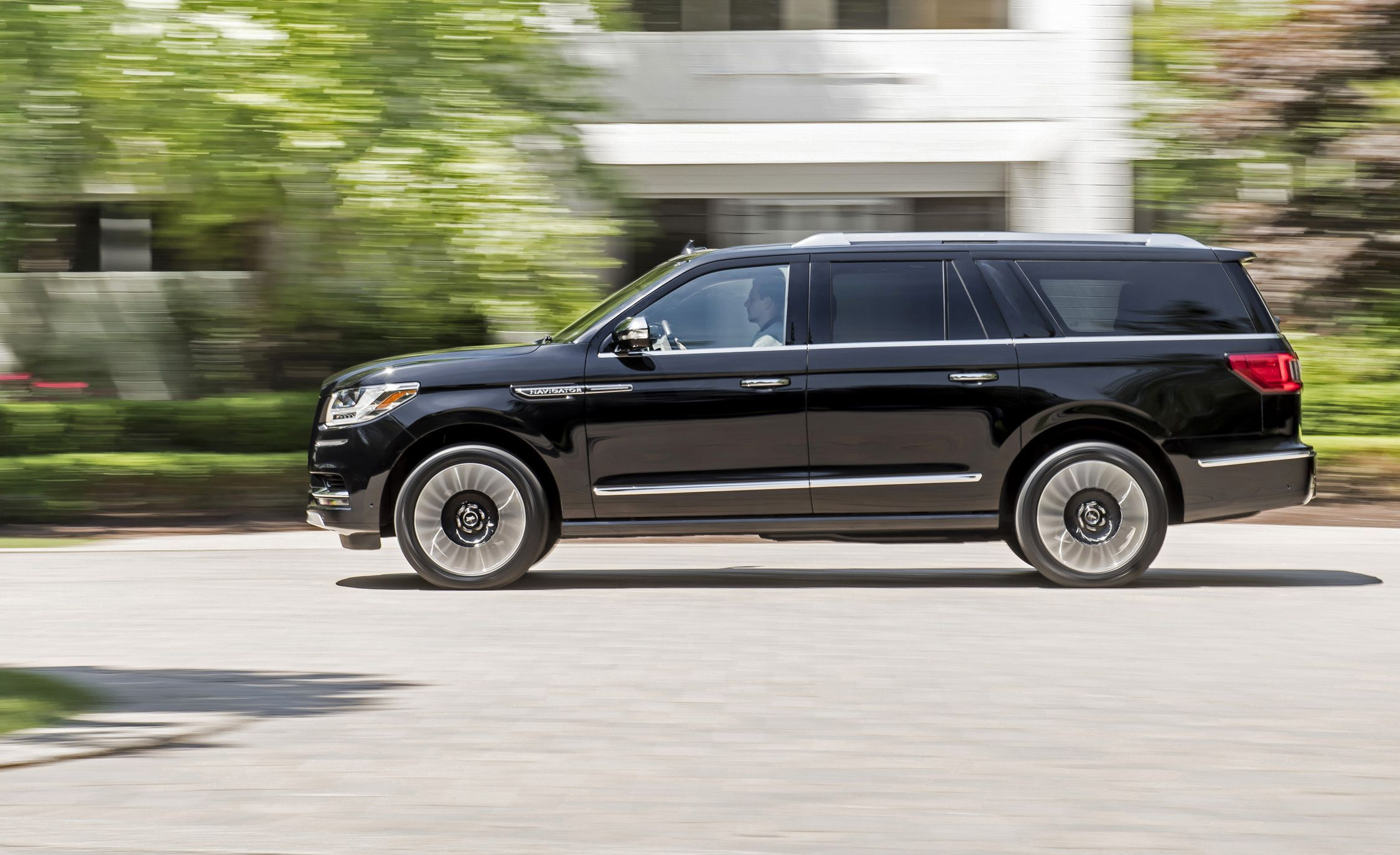 2018 Lincoln Navigator First Drive It S A Greater Gator