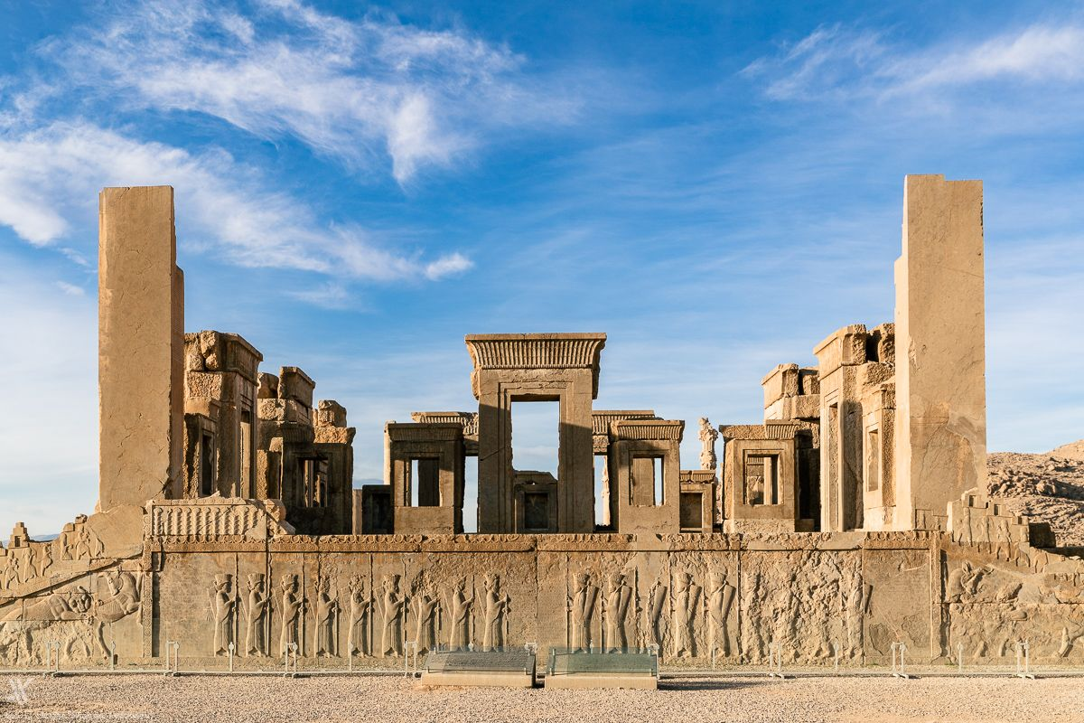 Persepolis Iranian Call It Takht E Jakshid Throne Of Jamshid Was An Ancient Capital Of The King Ancient Cities Monumental Architecture Unesco Heritage Site