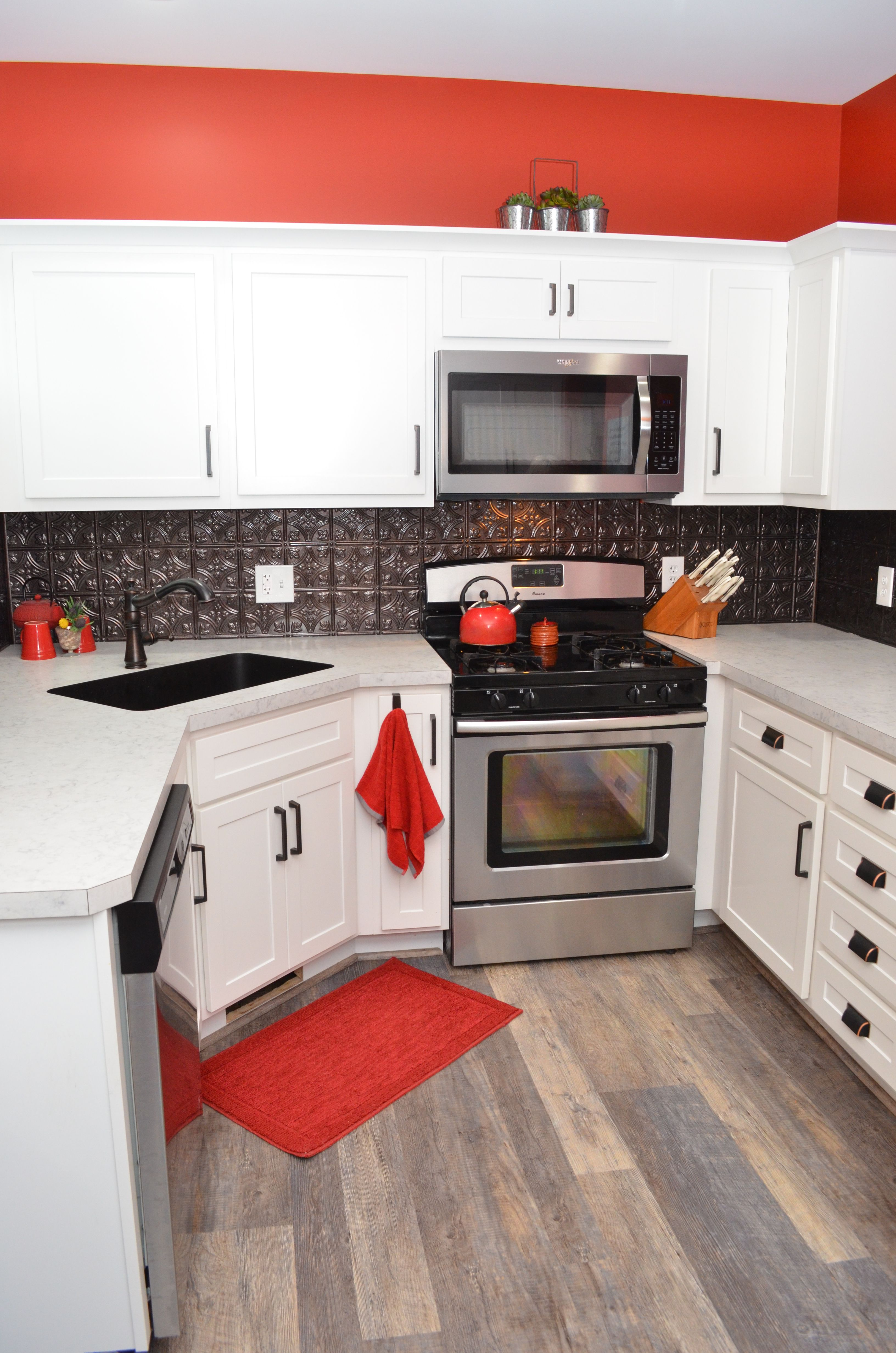 Baileytown Chesapeake Maple White Laminate Countertop Neo ... on Maple Cabinets With White Countertops  id=99093