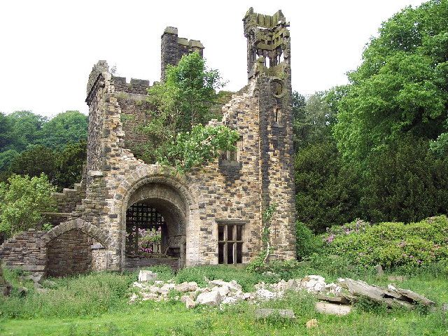 Crumbling Stone Guardhouse