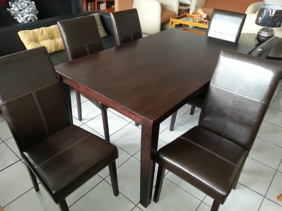 Precio q4 900 comedor de madera con 6 sillas de cuero for Precio sillas comedor