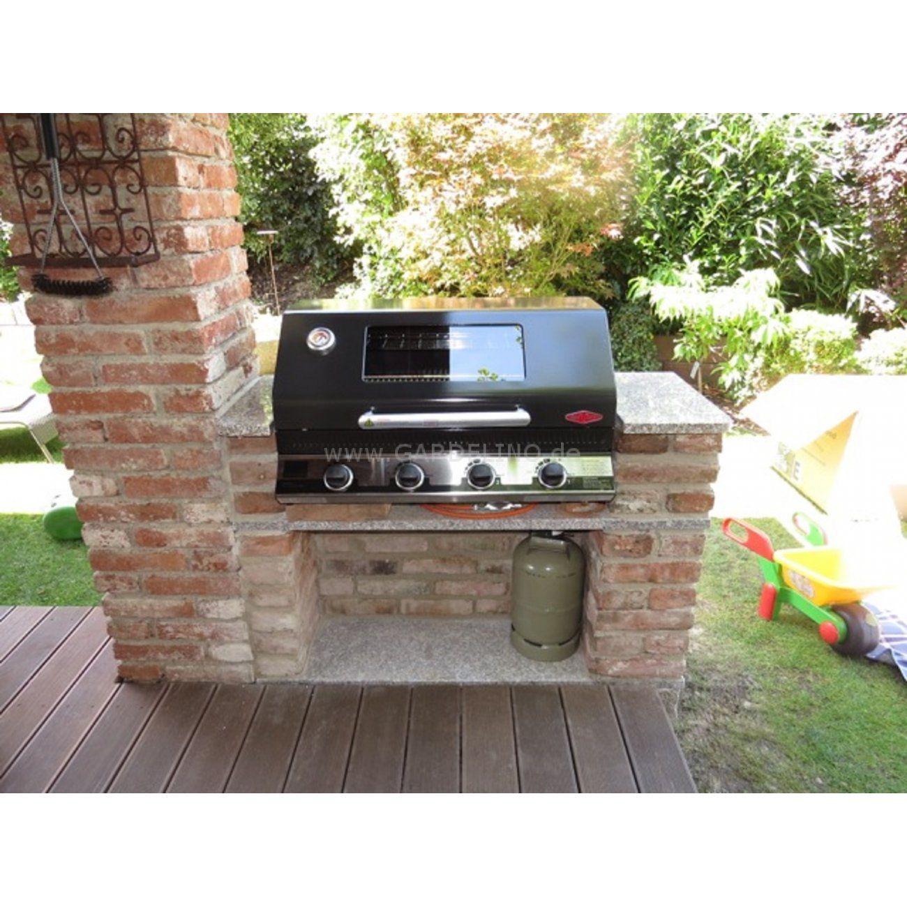 einfache grillstation aus stein mit beefeater einbau grill// simple