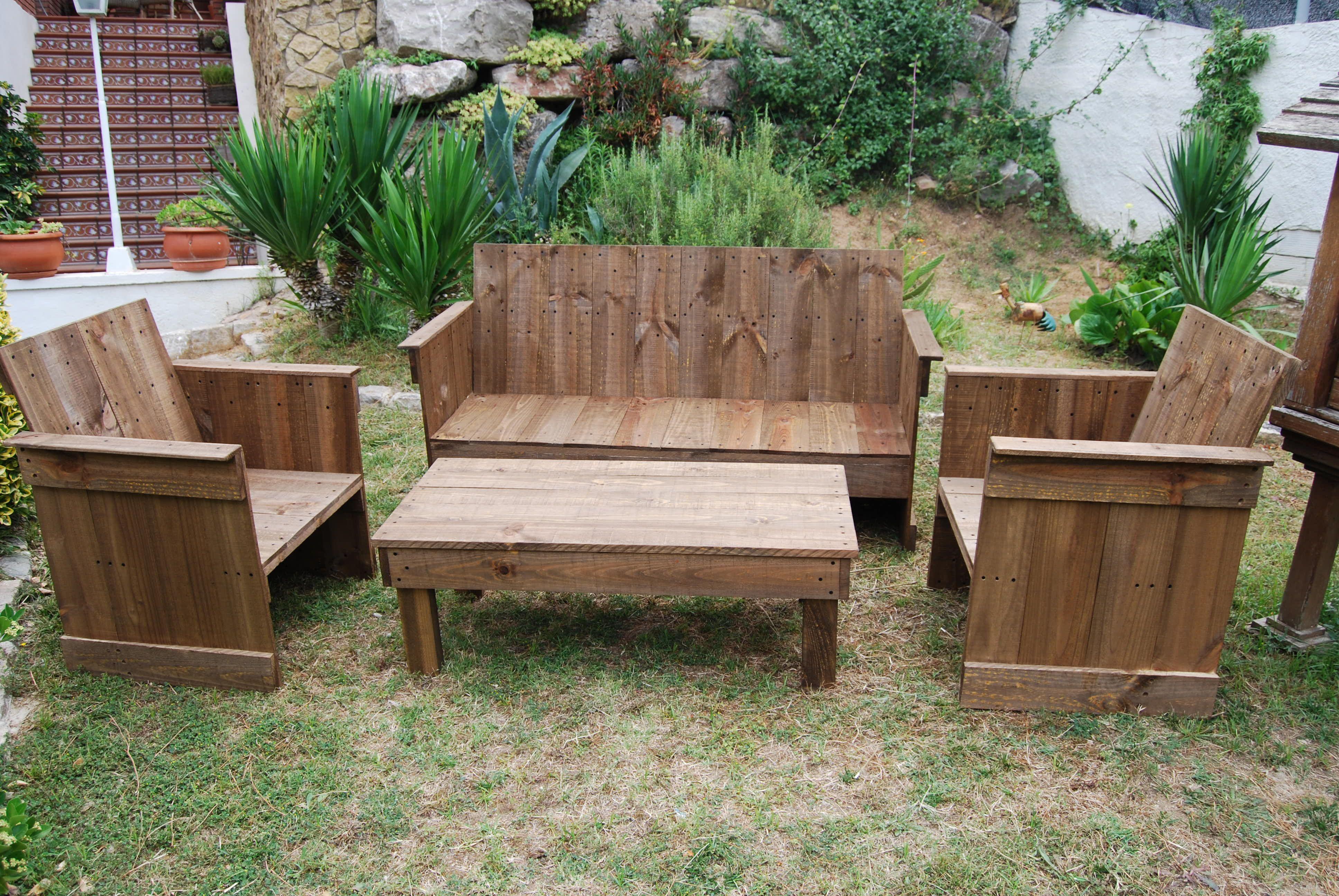 Sofá, mesa y sillones para tu jardín, comedor o negocio #madera ...