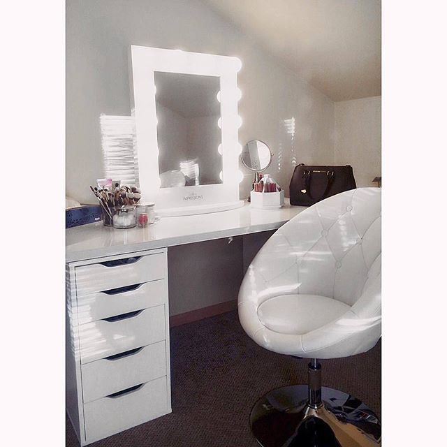 Best The Classic Hollywood Inspired Impressions Vanity 400 x 300