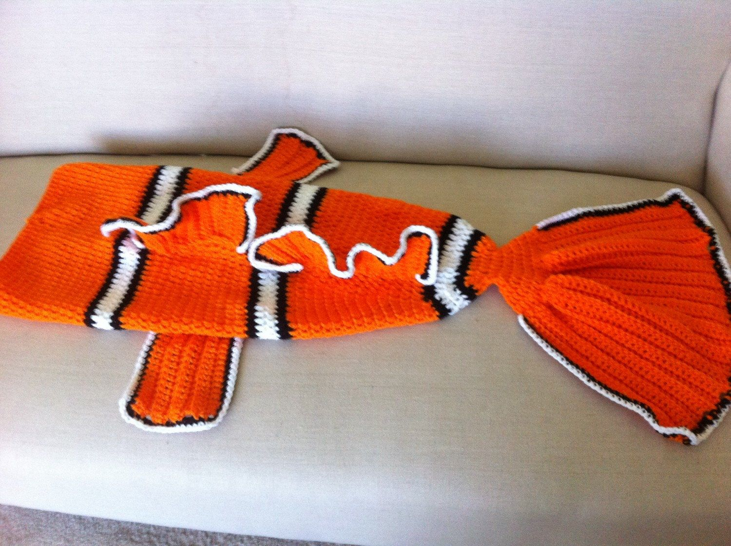 Finding Nemo Blanket Tail - Cocoon - Clown Fish - Preemie, Child ...