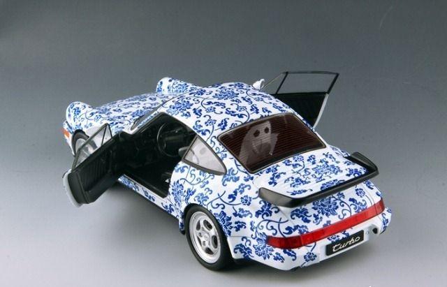 Unique blue and white porcelain - 118 Porsche 964 model (4)