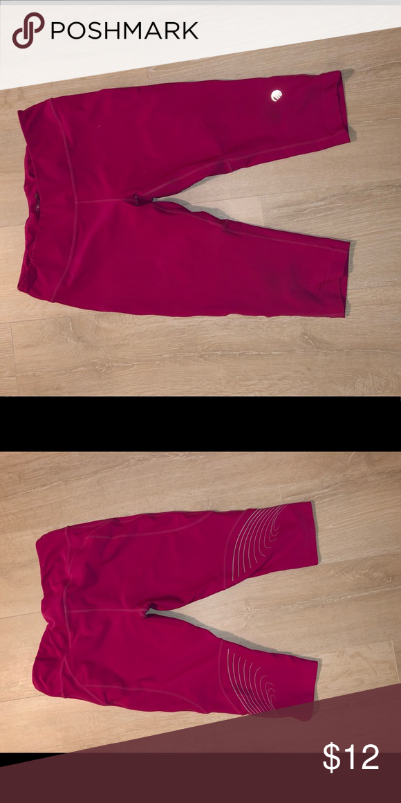 Mpg Workout Crops Fun Pink Capris Cool Reflective Design On The Back Pants