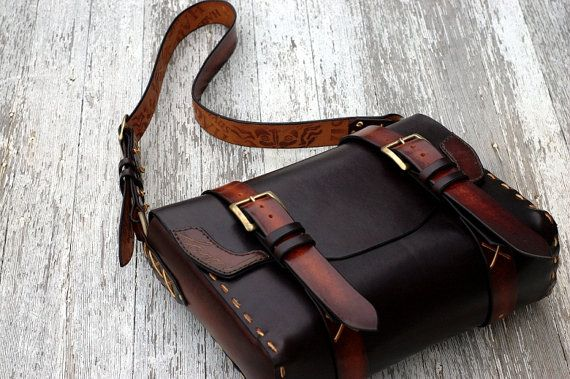 Items similar to Classic Messenger Bag (size large) on Etsy