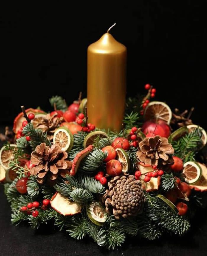 How To Make A Christmas Centerpiece With Fresh Greens Christmas Flowers Christmas Table Decorations Christmas Flower Arrangements