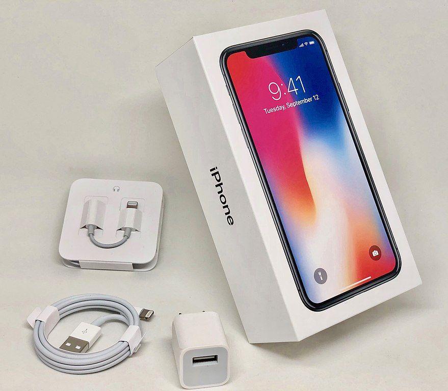 Conoce Los Accesorios Esenciales Para Usar A La Perfeccion Tu Iphone Iphones Accesorios Para Celular Iphone