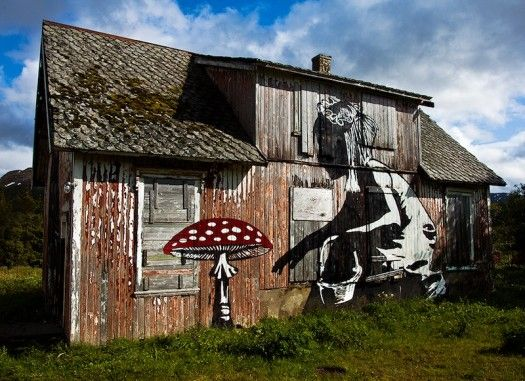 What an awesome way to spruce up an old barn!