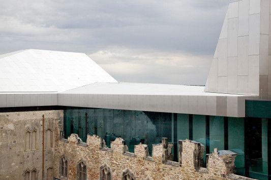 Aluminium-Dachlandschaft mit Oberlichternkunstmuseum moritzburg