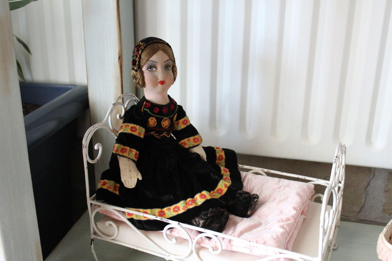 Ancienne poupée de salon Antique boudoir doll