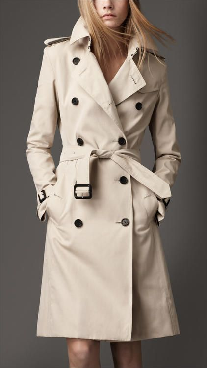 4ecd5a12476 LE trench classique by Burberry...