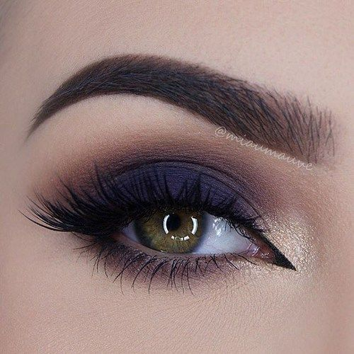 Makeup Dark Blue Smokey Eye