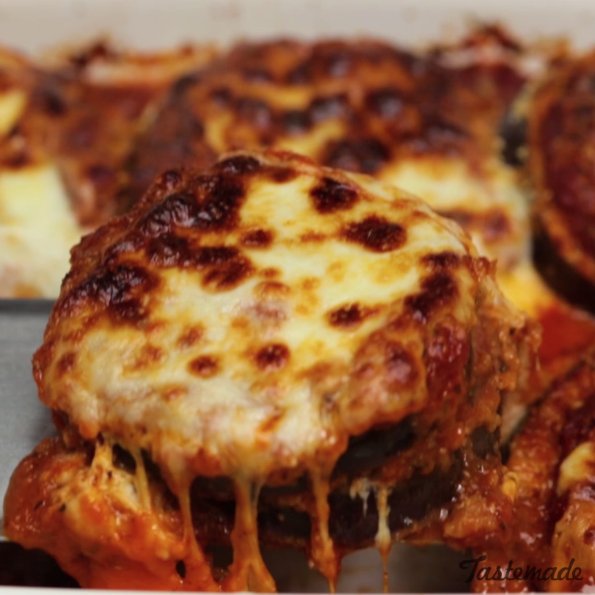 This ridiculously cheesy baked eggplant is vegetarian comfort food at its yummiest. Save the recipe on our app! http://link.tastemade.com/HE7m/H1wHe4m2mA