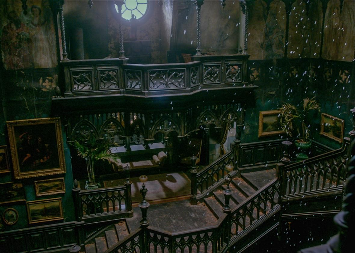 Crimson Peak S Production Designer On Creating That Stunning
