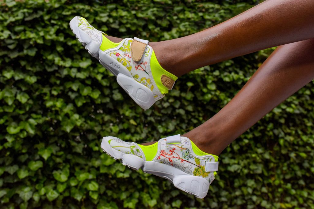 ropa interior Terapia Doblez  Nike Unveils Latest Collaboration With Liberty London | Sneakers, Nike, Nike  rift