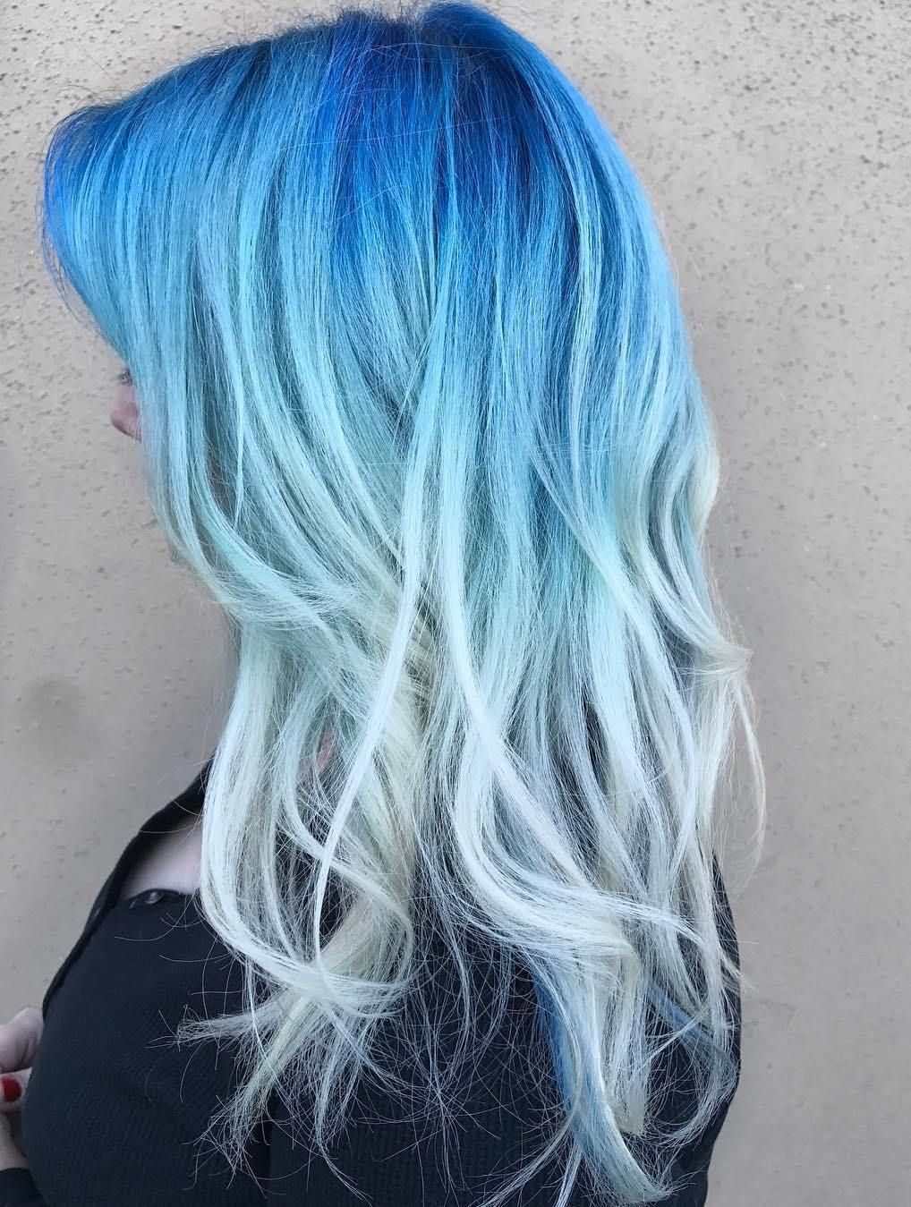 Fashion week Blue and blonde hair ideas photo for woman
