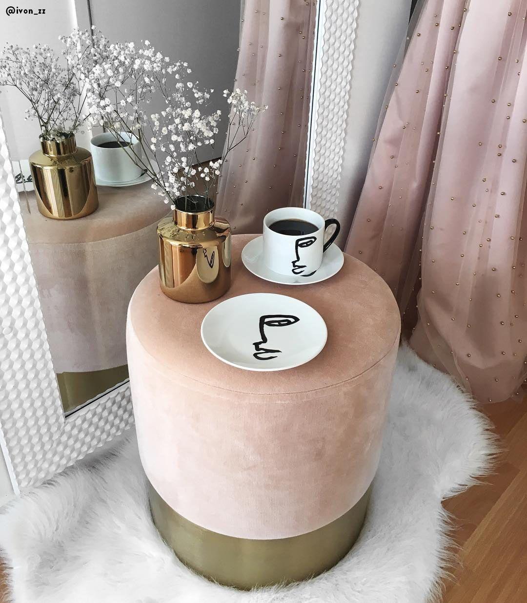 samt hocker harlow poufs westwing in 2019 velvet stool living room decor room decor