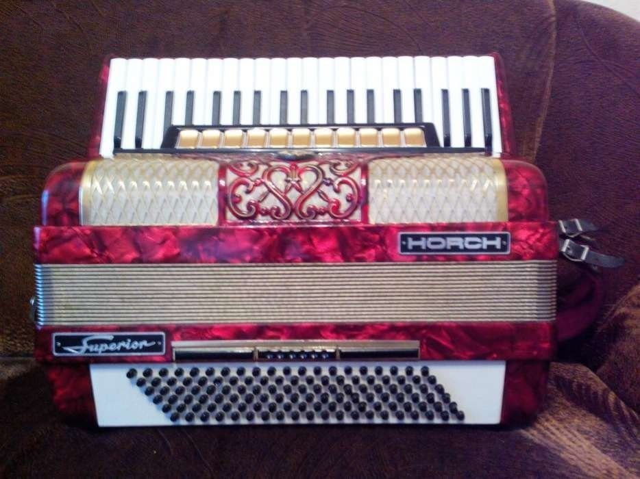 I sell ORIGINAL Horch SUPERIOR accordion selling German full